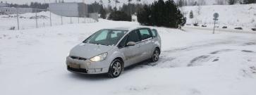 Koeajo käytetty Ford S-Max – Tiukan budjetin minibussi