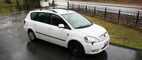 Koeajo käytetty Toyota Avensis Verso – Tila-Toyota vähätöiselle freelancerille