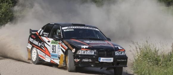 BMW-rallisarjan tiukka mestaruustaistelu jatkuu 15.9.