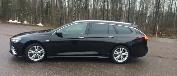 Koeajo Opel Insignia GSI – Matalan profiilin herrasmiehelle