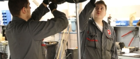 Omnia kouluttaa automekaanikkoja Atoy- ja Autofit -korjaamoihin