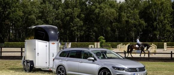 Uudistunut Volkswagen Passat GTE syksyllä Suomeen