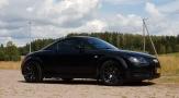 Vanha Audi TT taipuu jokamiehen tuning-rassiksi