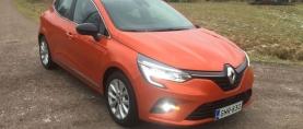 Koeajo Renault Clio – Pykälää isomman tuntua