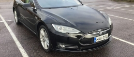Koeajo käytetty Tesla – Tesla puoleen hintaan