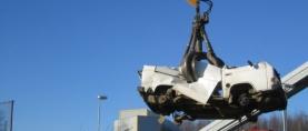 Romuauton kierrätys ei enää helpommaksi voi tulla