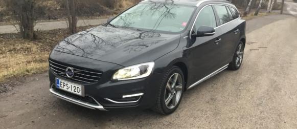 Koeajo käytetty Volvo V60 – Käytetty pistoke-Volvo pitää arvonsa