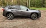 Koeajo Toyota Rav4 – Iso lataushybridi lähtee lähes kuin Supra