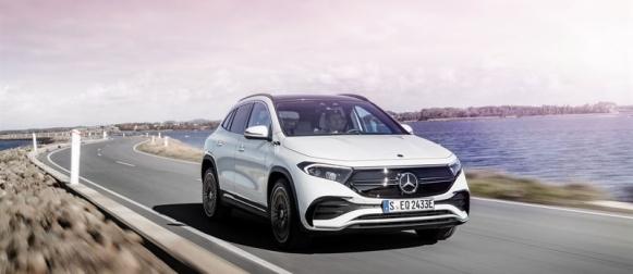 Mercedes-Benz kasvattaa mallistonsa sähköistämistä EQA:lla
