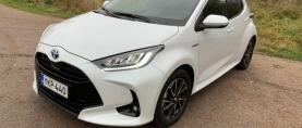 Koeajo Toyota Yaris – Oikeasti pihi itselataava pikkuhybridi