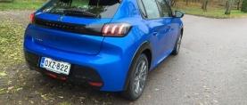 Koeajossa Peugeotin uusin sähköauto e-208 – Matka-ajossakin hiljainen pikkuauto