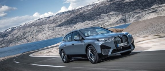 Ensimmäiset BMW iX -autot asiakkaille marraskuussa