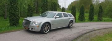 """Koeajo käytetty Chrysler 300C – Takatukkamiehen """"mörssäri!"""""""