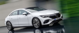 Mercedes-Benz EQE omaa 660 kilometrin toimitamatkan