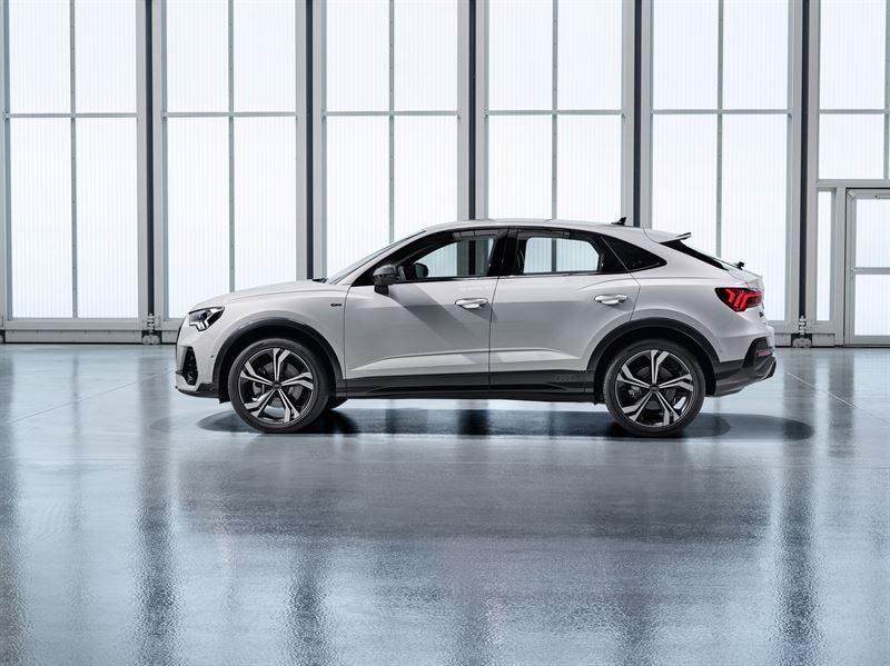 Audi Q3 Sportback vuoden 2019 lopulla Suomeen