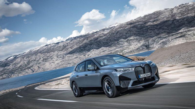 BMW iX:n sarjatuotanto käynnistyi Dingolfingissa